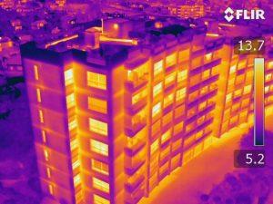 Thermographie de bâtiments par drone