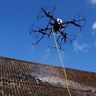 Pulvérisation toiture démoussage par drone